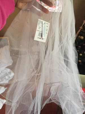 White 2-tier Bridal Veil for Sale in Severn, MD