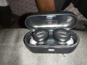 Truly wireless bluetooth earbuds.. pick up only for Sale in Las Vegas, NV