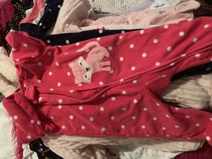 Lot winter baby girl clothes 0-3 months and 3 months for Sale in Raleigh, NC