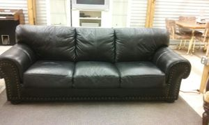 Black leather couch for Sale in Macon, GA