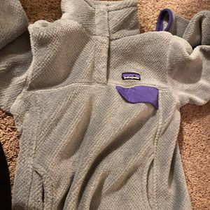 Gray and purple Patagonia for Sale in Portageville, MO