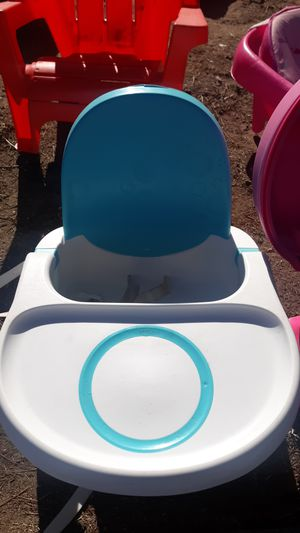 Kids booster seat with tray for Sale in Lancaster, CA