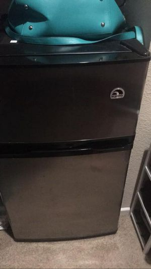 Mini Refrigerator with Freezer with separate door for Sale in Houston, TX