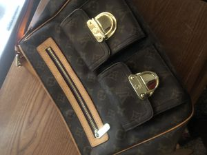 REAL Louis Vuitton hand bag for Sale in Glendale, AZ