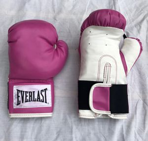 WOMENS 12 OZ. EVERLAST BOXING GLOVES ( NEW ) for Sale in Pompano Beach, FL