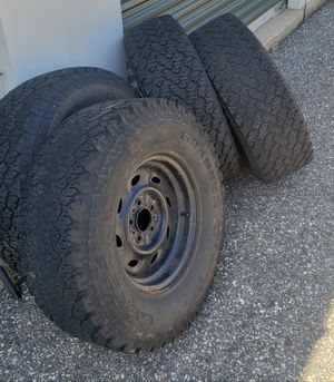 31 x 10.5 15 General Grabbers tires 114 bolt pattern for Sale in Gorham, ME