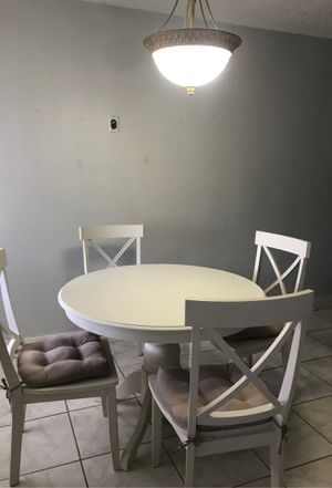 White kitchen table for Sale in Hollywood, FL