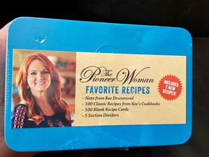 The Pioneer Woman Ree Drummond Favorite Recipes Tin Box Includes 100 Classic Recipes BRAND NEW IN SHRINK WRAP Makes a great Mother's Day gift! for Sale in Gilbert, AZ