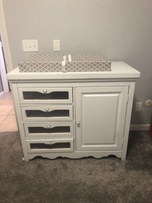Hardwood baby changing table for Sale in Las Vegas, NV