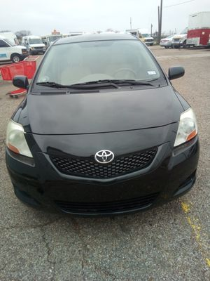2010 Toyota Yaris automatic for Sale in Dallas, TX