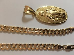 Gold chain and pendant for Sale in Dallas, GA