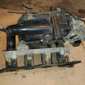 intake manifold with throttle body unit for Sale in Fort Washington, MD