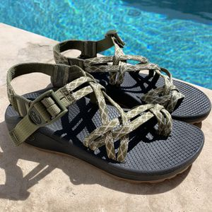 CHACO SIZE 8 WOMANS Z/SANDAL for Sale in Oceanside, CA