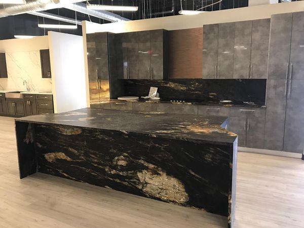 Granite and Quartz Kitchen Countertop