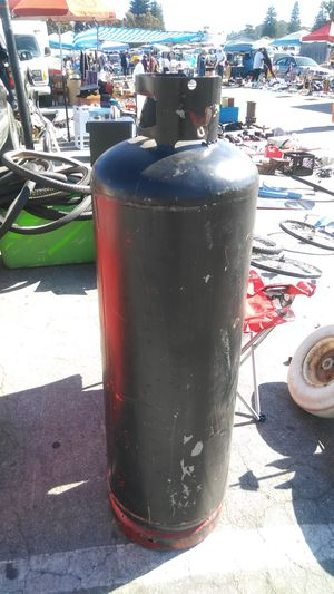 Giant propane tank 4 and a half ft tall for Sale in Watsonville, CA
