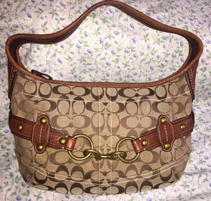 Genuine COACH purse for Sale in Vernon, WI