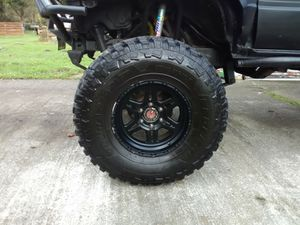 "37 "" Federal Couragia M\T mud tires for Sale in Eatonville, WA"
