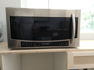 Samsung 30 in W 1.7 cu. ft. Over the Range Convection Microwave for Sale in Woodland Hills, CA