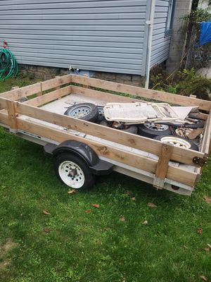 Utility trailer 5.5 x 8 for Sale in Hop Bottom, PA