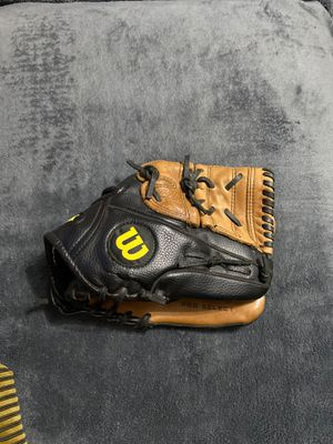 Baseball Glove for Sale in McDonald, PA