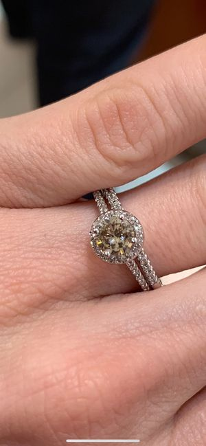 Engagement ring and wedding band set for Sale in Fountain Valley, CA