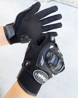 New $10 per pair Motorcycle Anti Slide Full Finger Gloves Hard Knucle Protection (Size Large only) for Sale in South El Monte, CA
