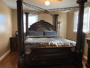 King Bed Set for Sale in Nashville, TN
