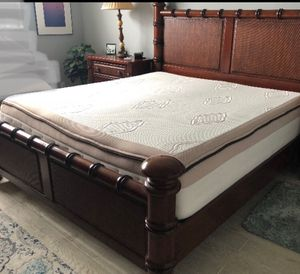 King mattress Beautyrest like new for Sale in Hialeah, FL