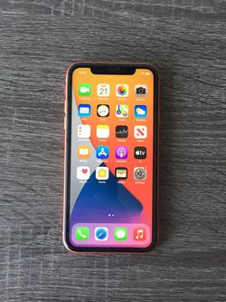 iPhone XR 64GB AT&T or Cricket for Sale in Pomona,  CA