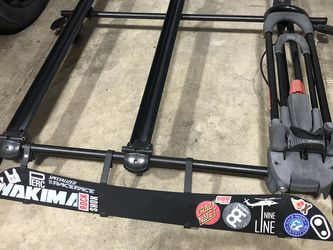 Yakima Q Tower Roof Rack W/ 3x Bike Carrier for Sale in Olympia,  WA