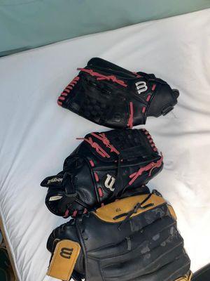Baseball gloves for Sale in Lauderhill, FL