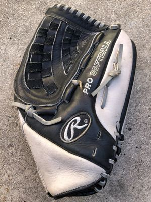 Rawlings pro softball glove nice ready to use condition equipment bat for Sale in Los Angeles, CA
