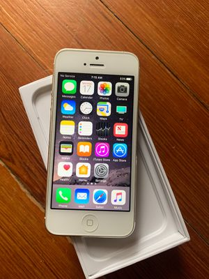 iPhone 5 16GB Phone Only AT&T Carrier for Sale in Cranston, RI