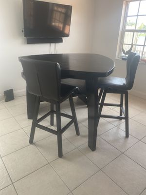 Kitchen table great condition for Sale in Miami, FL
