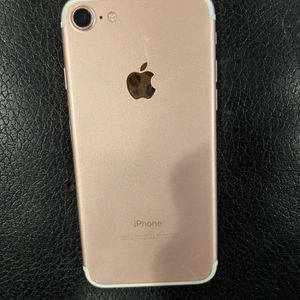 iPhone 7 Unlocked 32gb for Sale in Dallas, TX