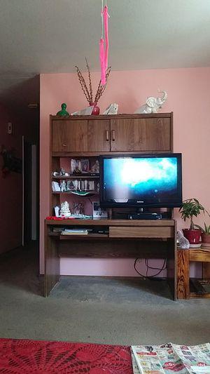 Home furniture/ computer desk for Sale in Farmersville, CA