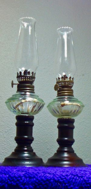 Rare Lamplight Farms Oil Lamps (Pair) for Sale in New Port Richey, FL