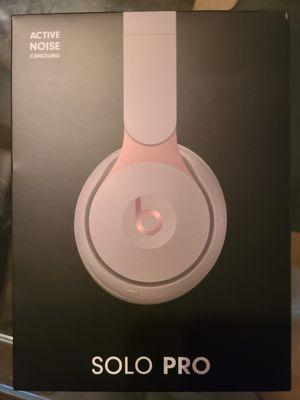 Beats Solo Pro Grey Bronze for Sale in Grand Terrace, CA