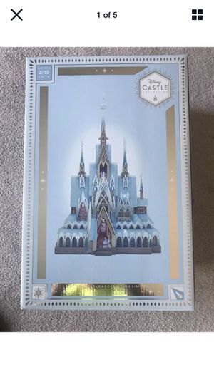 Disney limited release frozen castle figurine with lights for Sale in Queens, NY
