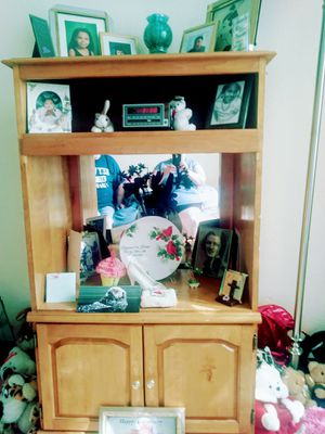 Hutch/ Tv stand for Sale in Kissimmee, FL