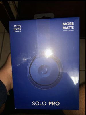 Beats Solo Pro Wireless Noise Cancelling On-Ear Headphones for Sale in Los Angeles, CA