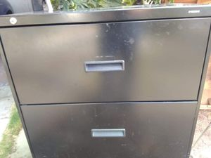 Lateral file cabinet in good conditions some scratches for Sale in San Diego, CA