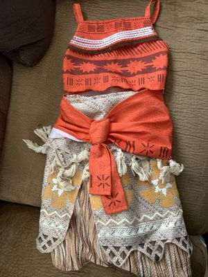 Moana Disney store dress size 3T for Sale in Tampa, FL