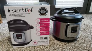 Instant Pot 7 in 1 Multiuse Programmable Pressure Cooker 6Quart for Sale in Houston, TX