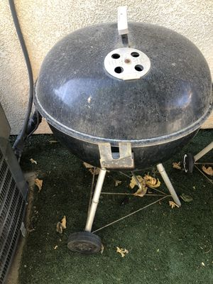 Charcoal bbq for Sale in Lake Elsinore, CA