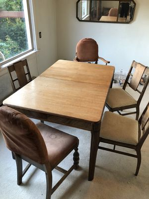 Antique dining room table and chairs. Free...you pick up for Sale in Seattle, WA
