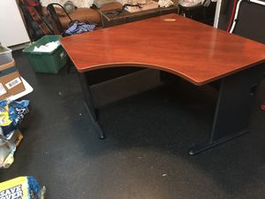 Hardwood Corner Desk for Sale in Cooper City, FL