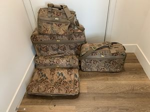 VINTAGE JORDACHE ROYALE 4 PIECE TAPESTRY LUGGAGE SET - LIKE NEW!! for Sale in San Diego, CA