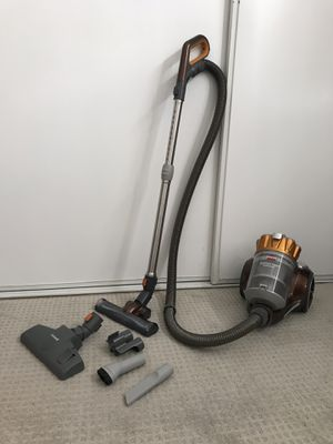 Bissell Hard Floor Expert Multi-Cyclonic Bagless Canister Vacuum, 1547-Corded for Sale in Santa Ana, CA