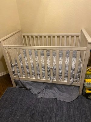 Pottery Barn kids Rory Crib like new for Sale in San Antonio, TX